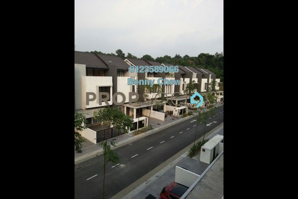 For Sale Terrace at Blu Constellation, Seri Kembangan Freehold Semi Furnished 5R/5B 888k