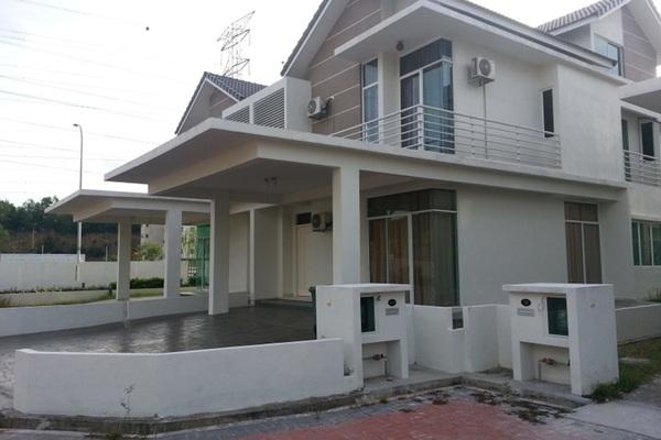 Semi-Detached For Sale in Taman Juru, Juru Freehold Semi Furnished 6R/5B 800k