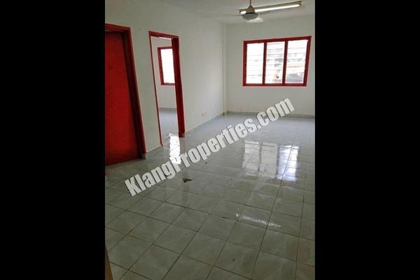 For Rent Apartment at Pangsapuri Seri Era, Shah Alam Freehold Unfurnished 3R/2B 850translationmissing:en.pricing.unit