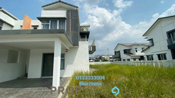 Terrace For Sale in Cherry, Hillpark Freehold Unfurnished 2R/3B 799k