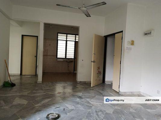 For Sale Condominium at Goodyear Court 10, UEP Subang Jaya Freehold Unfurnished 3R/2B 400k