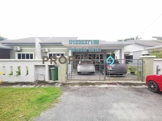 For Sale Semi-Detached at Desa Salak Pekerti, Bandar Baru Salak Tinggi Leasehold Semi Furnished 4R/3B 465k