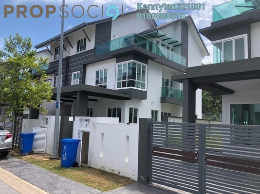 Semi-Detached For Sale in Impian Tropika, Alam Impian Freehold Unfurnished 7R/7B 1.38m