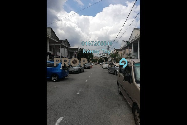 Terrace For Sale in Taman Bukit Desa, Kepong Freehold Semi Furnished 3R/2B 420k