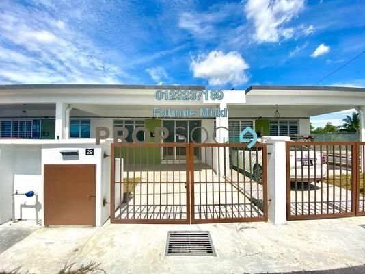 Terrace For Sale in Taman Salak Lestari, Sepang Leasehold unfurnished 4R/2B 360k
