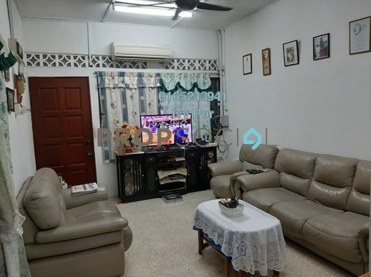 Terrace For Sale in Taman Maznah, Klang Freehold Semi Furnished 3R/2B 385k