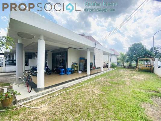 Terrace For Sale in Glenmarie Cove, Port Klang Freehold Semi Furnished 3R/2B 460k
