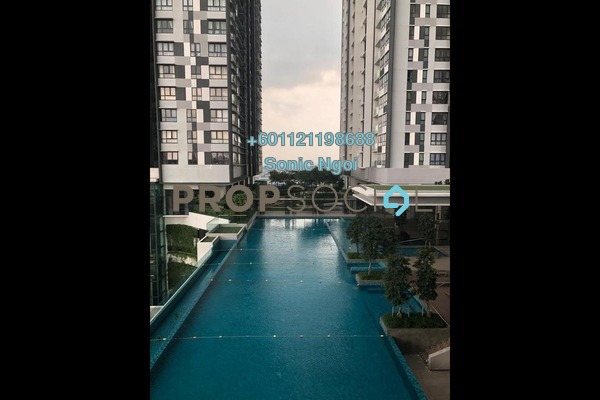 Condominium For Sale in D'Sara Sentral, Sungai Buloh Freehold Semi Furnished 3R/2B 950k