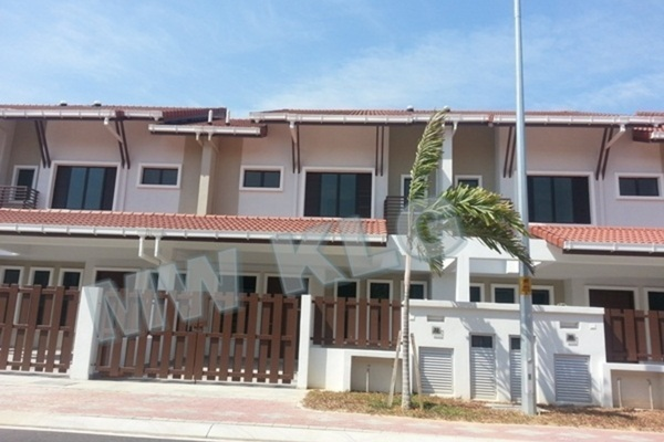 Terrace For Sale in Bayuemas, Klang Freehold Unfurnished 4R/3B 630k