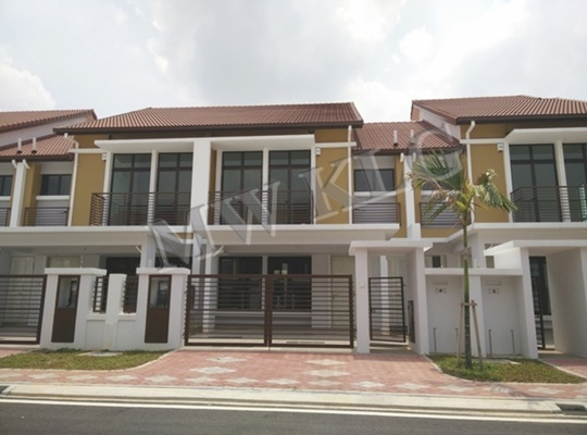 Terrace For Sale in Bayuemas, Klang Freehold Unfurnished 5R/4B 720k
