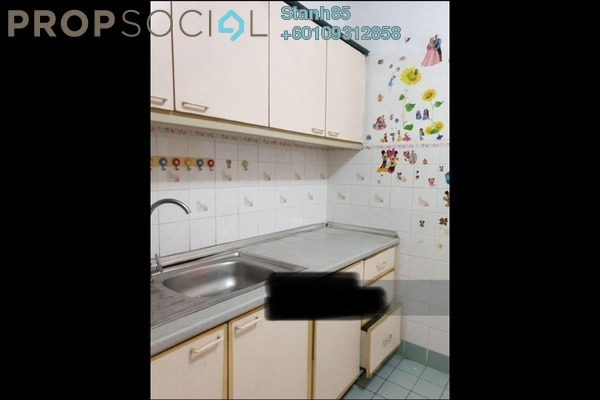 Condominium For Sale in Sri Damansara Court, Bandar Sri Damansara Freehold Semi Furnished 2R/2B 315k
