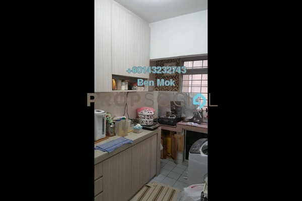 Apartment For Sale in SD Apartments, Bandar Sri Damansara Freehold Semi Furnished 3R/2B 430k