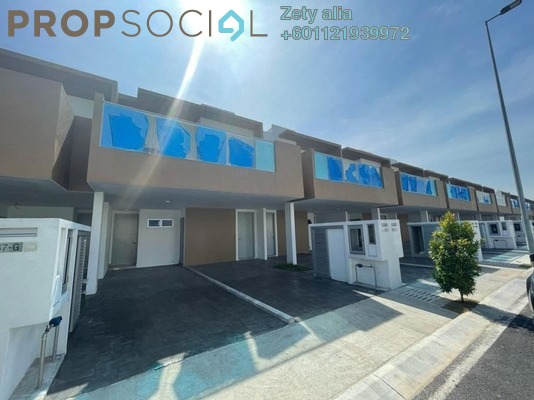 Townhouse For Rent in Cybersouth, Dengkil Freehold Semi Furnished 3R/2B 1.5k