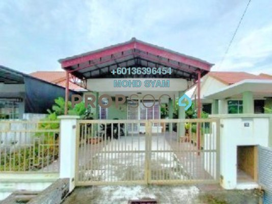 Semi-Detached For Sale in Taman Indah Puteri, Sepang Freehold Semi Furnished 4R/2B 435k