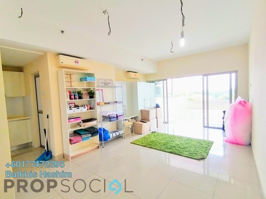 Serviced Residence For Sale in Suria Jelutong, Bukit Jelutong Freehold Semi Furnished 1R/1B 389k