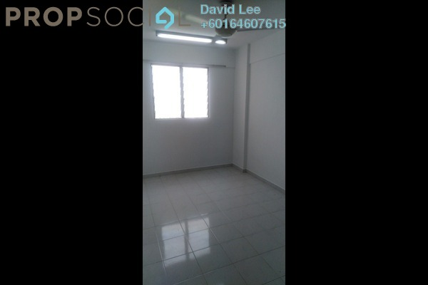 Apartment For Sale in Pinang Emas Flat, Batu Ferringhi Freehold Unfurnished 3R/1B 120k