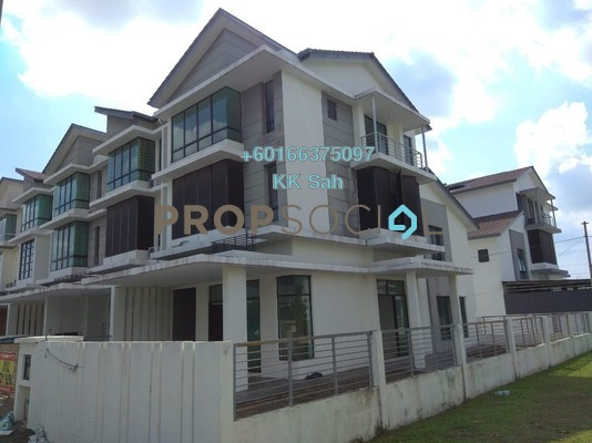 Superlink For Sale in Taman Putra Impiana, Puchong Leasehold Unfurnished 5R/5B 998k