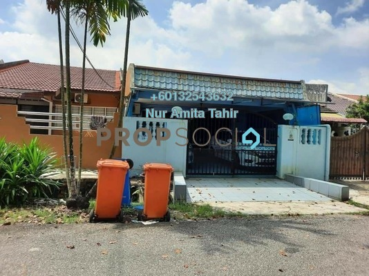Terrace For Sale in Section 10, Shah Alam Freehold Semi Furnished 3R/2B 530k