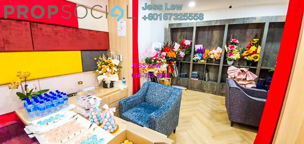 Shop For Sale in The Summit, UEP Subang Jaya Freehold Semi Furnished 0R/0B 950k