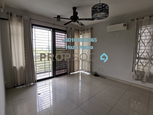 Condominium For Sale in Pinang Heights, Shah Alam Freehold Semi Furnished 4R/2B 465k