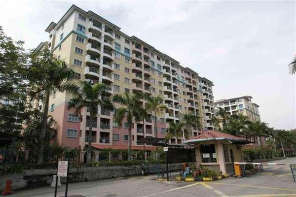 Apartment For Sale in Arena Green, Bukit Jalil Freehold Fully Furnished 2R/2B 299k