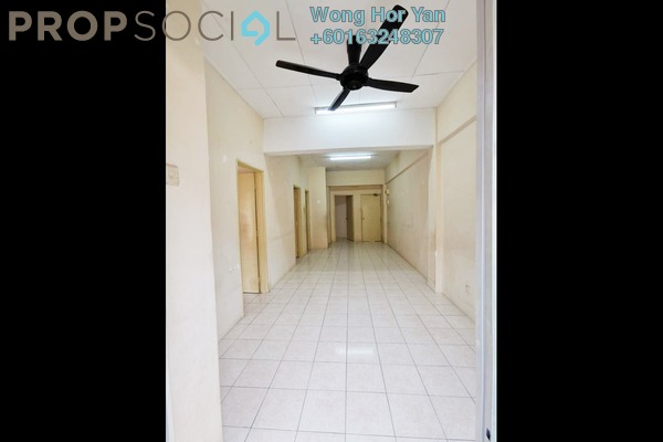 Apartment For Sale in Red Ruby Apartment, Seri Kembangan Freehold Unfurnished 3R/2B 220k