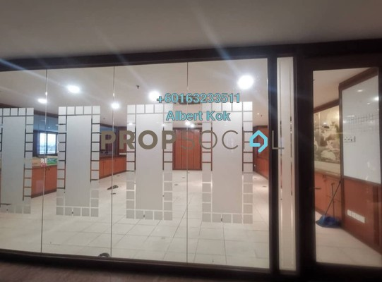 Office For Sale in Megan Avenue 2, KLCC Freehold Semi Furnished 0R/0B 5.65m