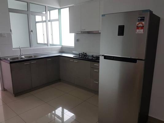 Condominium For Sale in Kiara Residence 2, Bukit Jalil Freehold Semi Furnished 3R/2B 620k