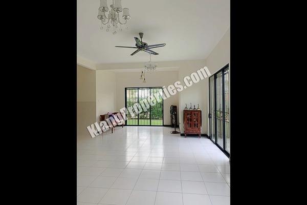 Semi-Detached For Sale in Glenmarie Cove, Port Klang Freehold Unfurnished 4R/4B 999k