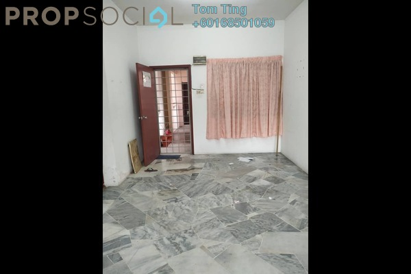Condominium For Rent in Beringin Apartment, Bandar Puteri Puchong Freehold Unfurnished 3R/2B 750translationmissing:en.pricing.unit
