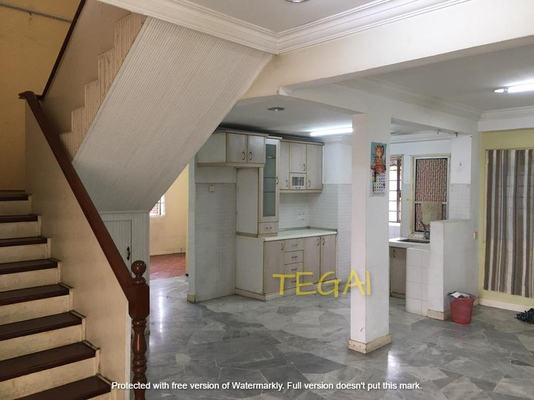 Apartment For Sale in Union Heights, Old Klang Road Freehold Semi Furnished 4R/3B 310k