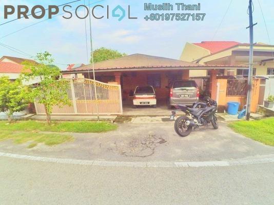 Bungalow For Sale in Bandar Baru Kundang, Rawang Freehold Semi Furnished 3R/3B 330k