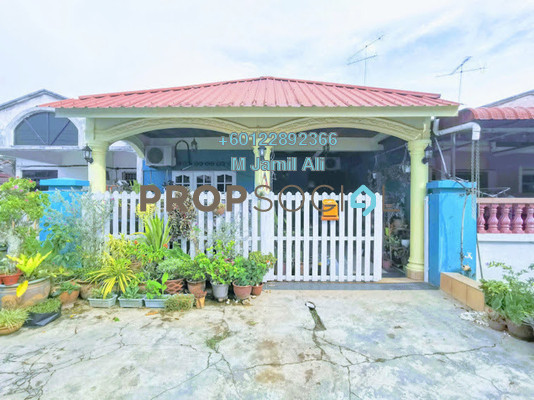 Terrace For Sale in Taman Manis, Parit Raja Freehold Semi Furnished 3R/2B 300k