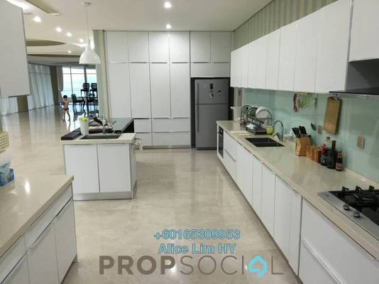 Condominium For Sale in 8 Gurney, Gurney Drive Freehold Fully Furnished 6R/6B 5.5m