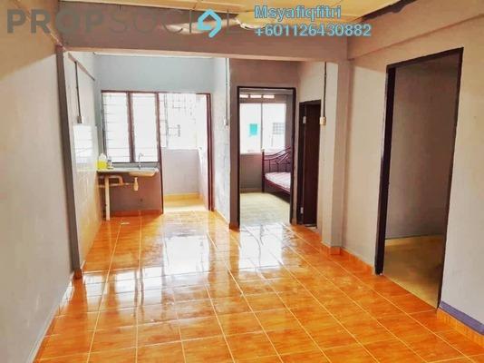 Apartment For Rent in Taman Bukit Kinrara, Bandar Kinrara Freehold Semi Furnished 3R/1B 750translationmissing:en.pricing.unit