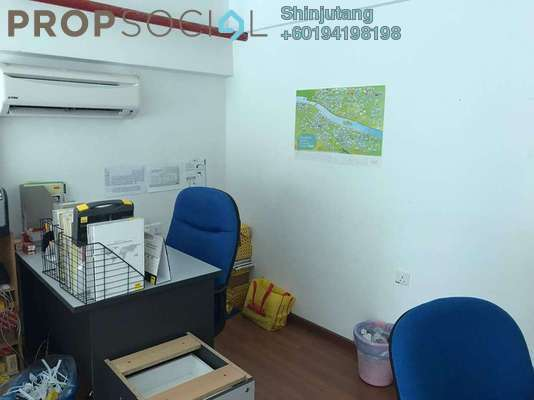 Condominium For Sale in The CEO, Bukit Jambul Freehold Semi Furnished 1R/1B 290k