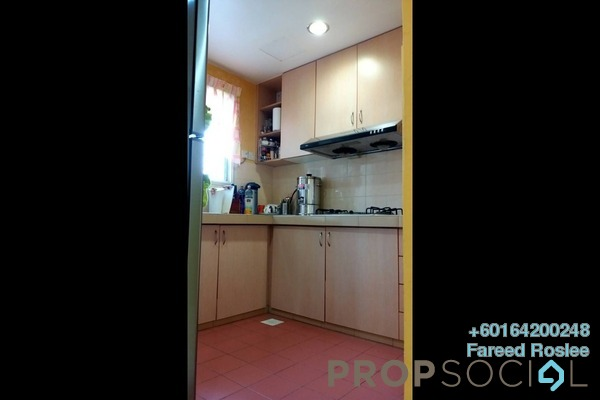 Apartment For Sale in Jati 1 Apartment, Subang Jaya Freehold Semi Furnished 3R/2B 400k