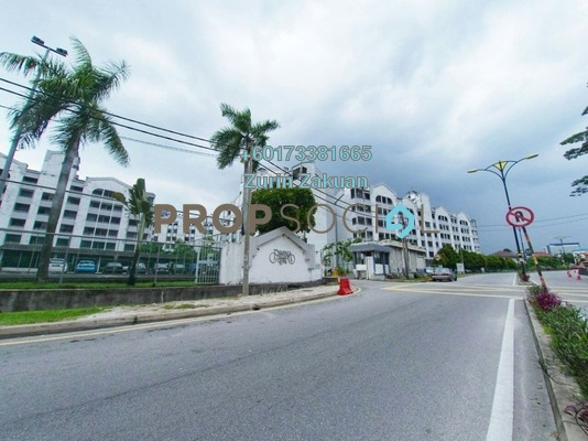 Condominium For Sale in Fawina Court, Ampang Freehold Semi Furnished 2R/2B 290k