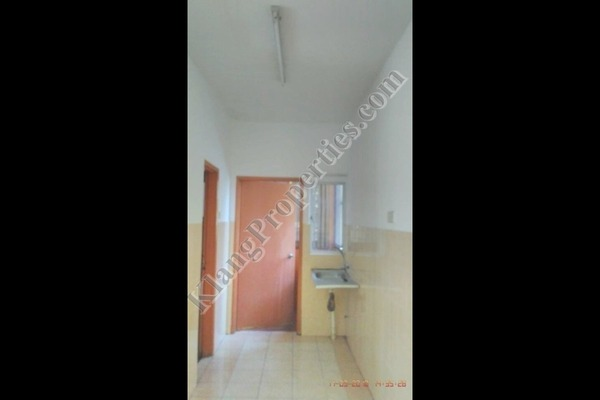 Apartment For Sale in Bayu Villa, Klang Freehold Unfurnished 3R/2B 250k