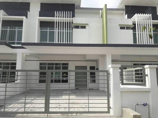 Terrace For Sale in Olive, Hillpark Freehold Unfurnished 4R/3B 600k
