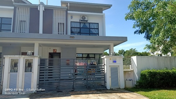 Terrace For Sale in M Residence 2, Rawang Freehold Semi Furnished 4R/3B 788k