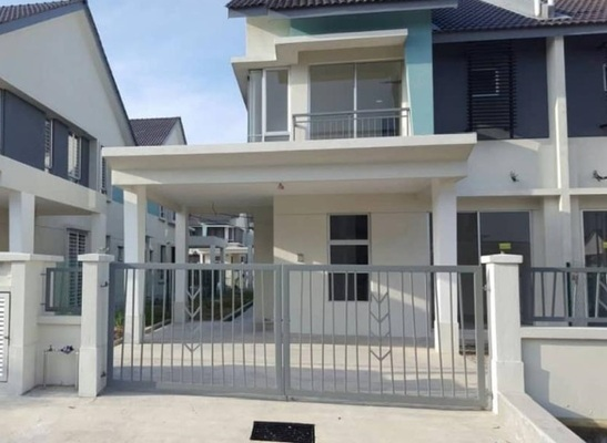 Terrace For Sale in Bayu Suria, Puncak Alam Freehold Unfurnished 4R/3B 520k