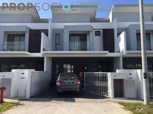 Terrace For Sale in Bandar Country Homes, Rawang Freehold Unfurnished 4R/4B 520k