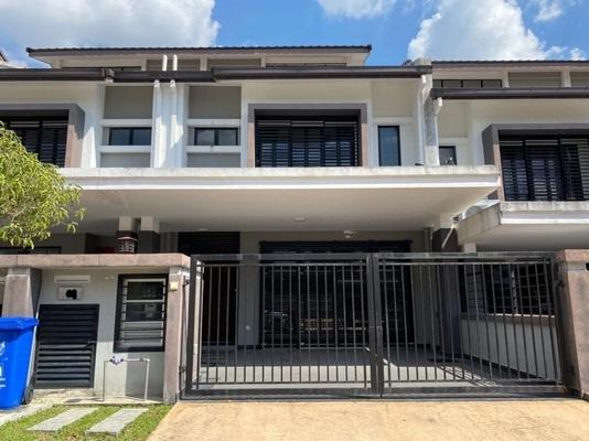 Terrace For Sale in Saffron Hills, Denai Alam Freehold Unfurnished 4R/3B 780k