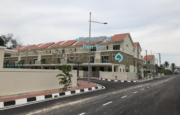 Terrace For Sale in Rena Park, Balik Pulau Freehold Unfurnished 5R/4B 735k