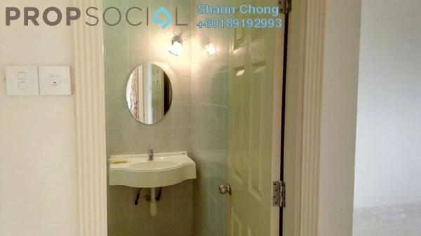 Condominium For Sale in Kristal Villa, Kajang Freehold Semi Furnished 3R/2B 318k