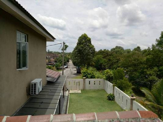 Terrace For Sale in Taman Lestari Putra, Bandar Putra Permai Freehold Semi Furnished 4R/3B 800k