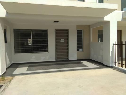 Terrace For Rent in BK7, Bandar Kinrara Freehold Semi Furnished 4R/3B 1.65k