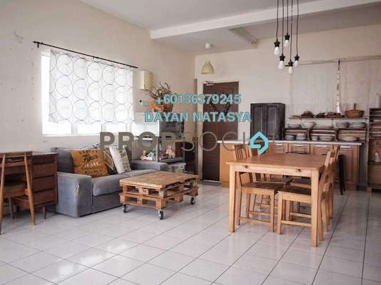Condominium For Sale in Monte Bayu, Cheras Freehold Semi Furnished 3R/2B 450k