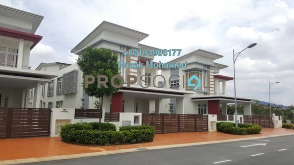 Bungalow For Sale in CasaIdaman, Setia Alam Freehold Unfurnished 5R/6B 1.8m